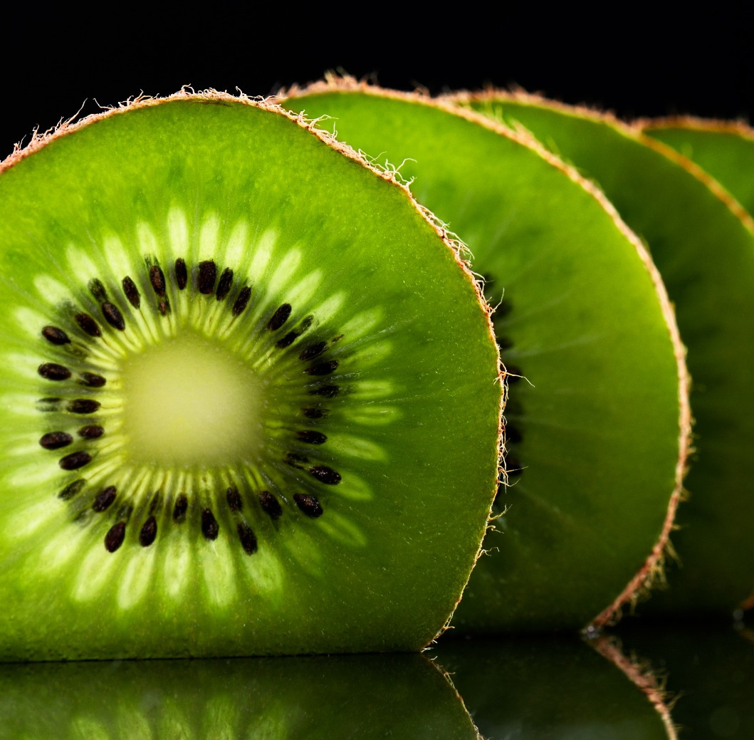 Kiwifruit and Sauvignon Blanc skins